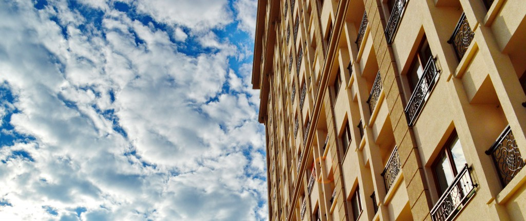 Fasada i nebo